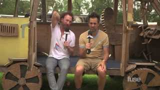 Bonnaroo 2015: Guster Feeds Hippies With Cereal At Bonnaroo Resimi
