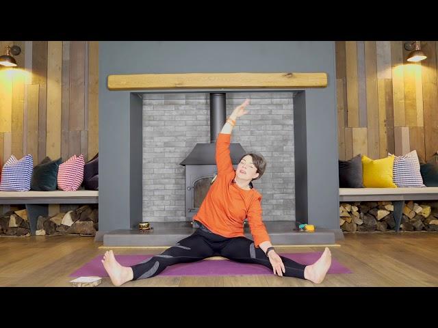 Holiday Yoga Series | 1| Trikonasna