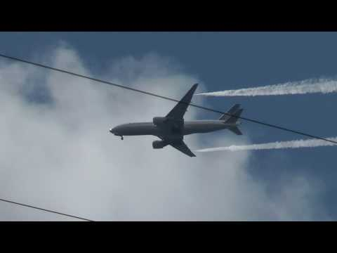 Continental Airlines 777 with 275 passengers dumping fuel over New Jersey ! w/ATC audio link
