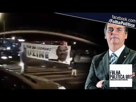 Cidadãos erguem faixa pedindo que eleitores de Bolsonaro buzinem e o resultado é impressionante