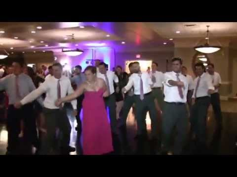 Epic Wedding Flash Mob Dance To Taylor Swift Shake It Off