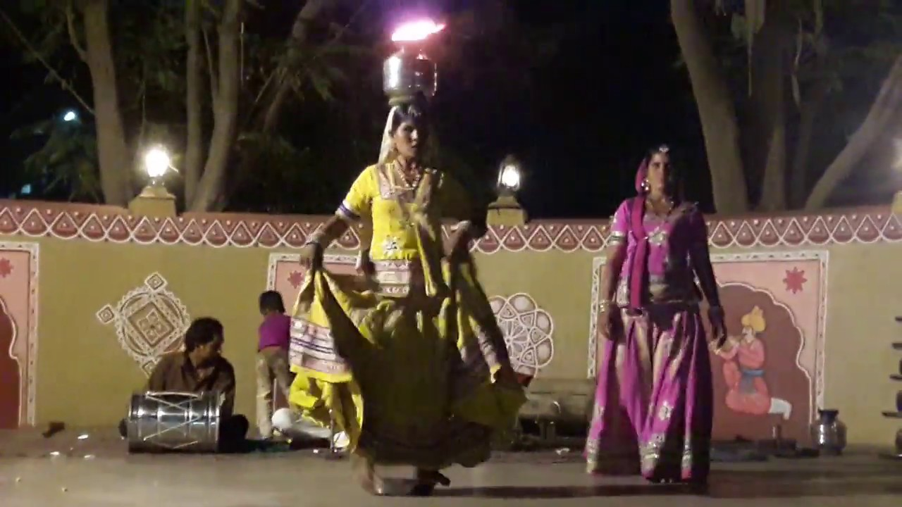 Navratri Garba playing with FIRE 2018  dance steps WhatsApp status