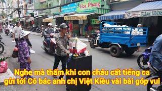 Việt Kiều 4 phương rơi lệ khi con cháu Mưu sinh bán hàng rong ở Sài gòn