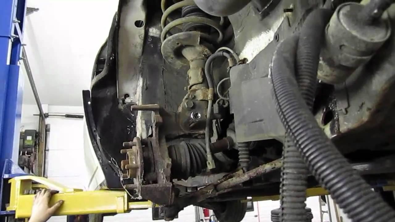 Removing A 32v Northstar Engine Youtube