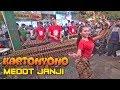 Download lagu KARTONYONO MEDOT JANJI Angklung Jogja Malioboro Nyanyi Bareng Musik Tambah Jos Mp3