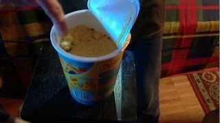 Роллтон горячая порция - лапша с курицей Карри