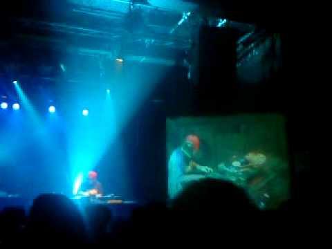 DJ Q-Bert en live à l'Usine (Genève) le 27/10/2011
