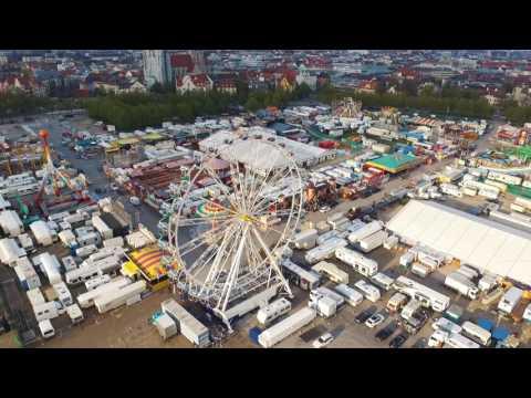München von Oben - Theresienwiese - Frühlingsfest - Europa's größter Flohmarkt - 4K -