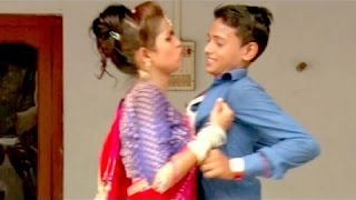 || 11 साल के लड़के ने 19 साल की लड़की को पछाड़ा || लड़का Vs लड़की Latest Bhojpuri Song Dance 2016