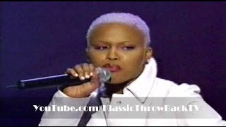 "Eve featuring Faith Evans - ""Love Is Blind"" Live (2000)"