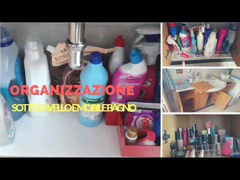 Profumo di pulito organizzazione sotto lavello e mobile del bagno