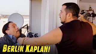 Berlin Kaplanı - Enişteyi Mıncıka ile Dövüyor