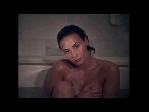 Fotos desnudas y sin maquillaje de Demi Lovato