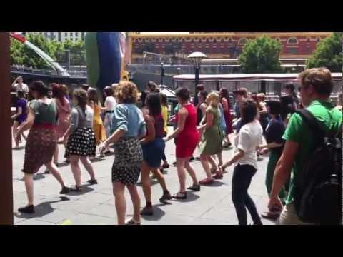 Shake your tailfeather - Flashmob@Southbank Melbourne