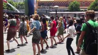 Shake your tailfeather - Flashmob@Southbank Melbourne