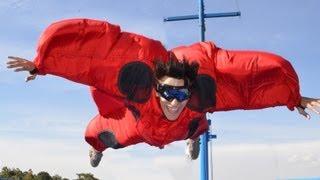 Actividades y deportes extremos: Bungee, bicicleta 360, snowboarding 360 y simulador de vuelo.
