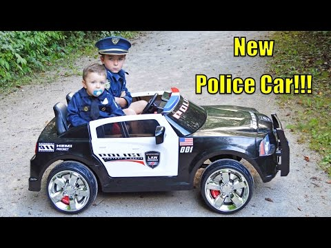 Kid Cops and the NEW POLICE CAR with the Sketchy Redneck Mechanic DODGE POLICE CRUISER with Officer