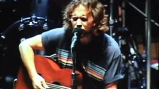 Pearl Jam - Around The Bend (Bridge School '06) HD
