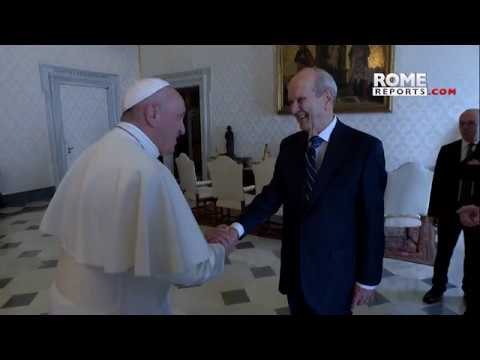 Pope meets Mormon leaders in Vatican