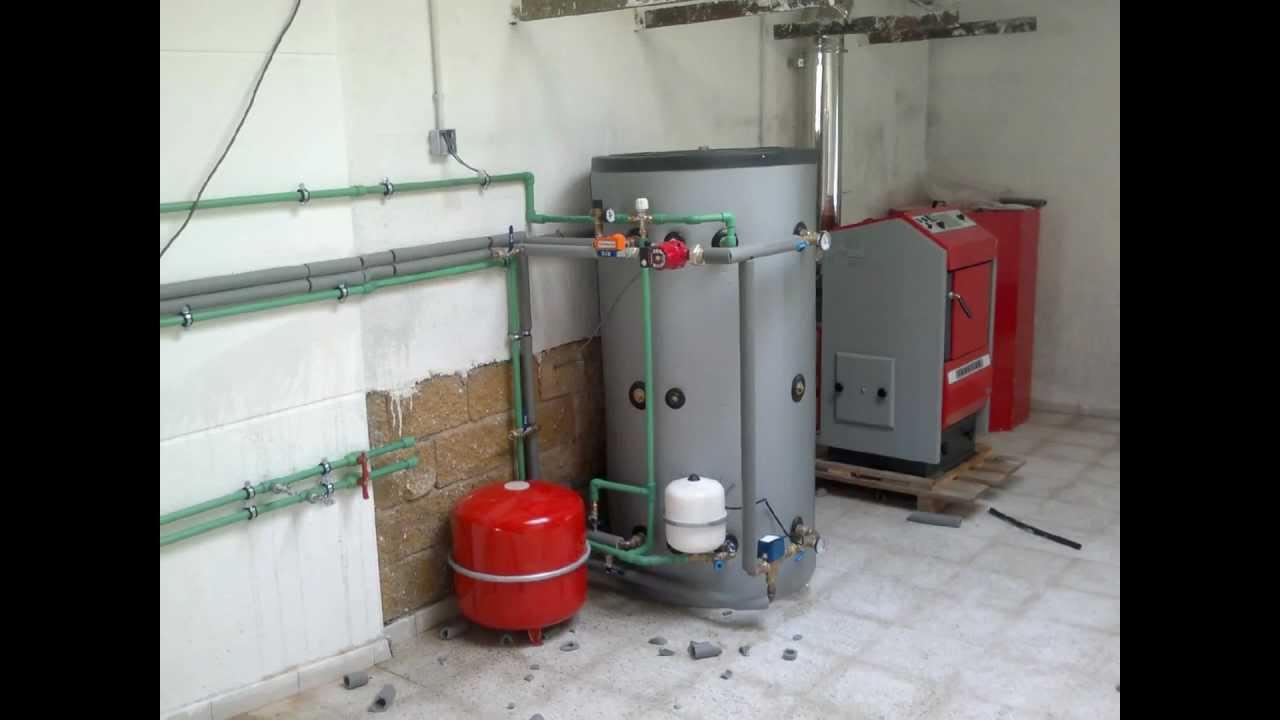Instalacion de caldera de pellets con deposito de inercia - Calderas de pellets y lena precios ...