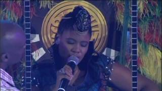 SAMA 16 (2010) : Performance by Thandiswa Mazwa feat. Tumi