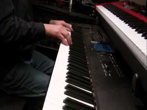 Korg Kronos - German Grand vs Austrian Grand pianos