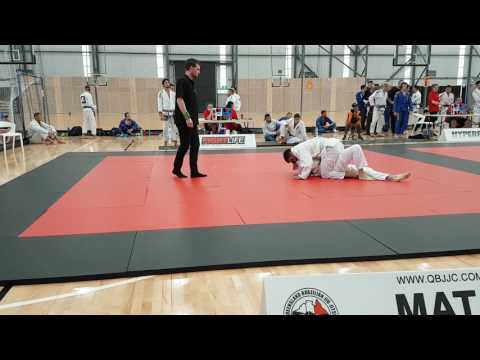 Paulo wins first 76 kg gi white belt fight