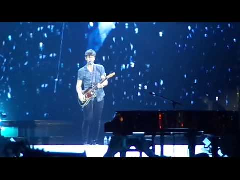 Shawn Mendes - Use Somebody / Treat You Better (Live at Rock In Rio 2017)
