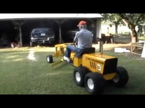 Dad's homemade road grader - YouTube