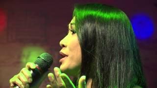 Ca  Sỹ Thùy Trang Bài hát Mẹ là ngàn sao trên trời