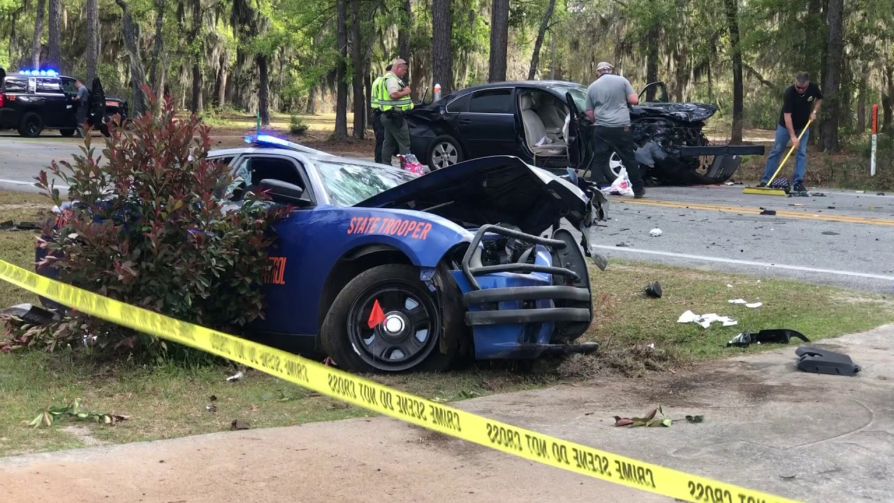 Georgia state trooper, 2 others injured in Walthourville crash
