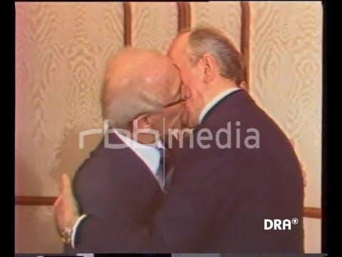 Socialist fraternal kiss between Honecker and Gorbachev, 1985