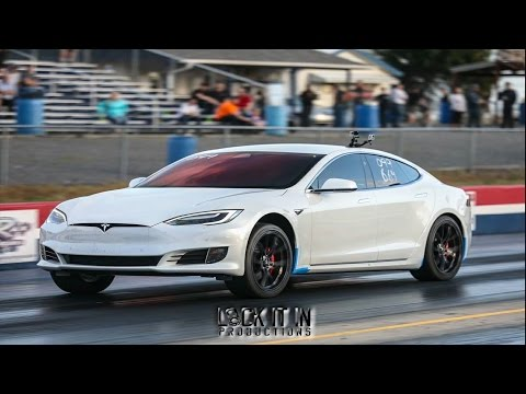 Tesla P100D Competes with Drag Cars in Racing Competition!