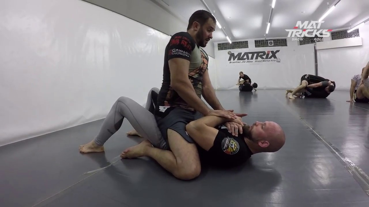 Triangle setup from Mount when Opponent keeps the Arms really tight!