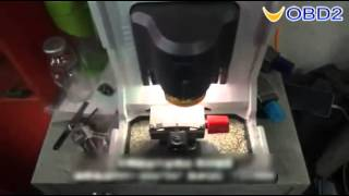 Cutting Nissan NSN14 key with Xhorse Condor XC MINI key cutting machine