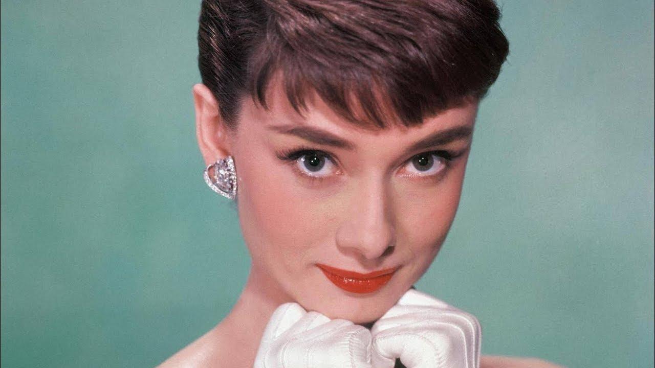Внуката на Одри Хепберн порасна и изгледа прекрасно
