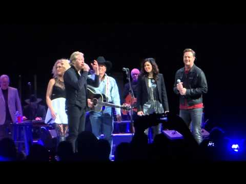 George Strait & Little Big Town - You Look So Good  In Love (Live)