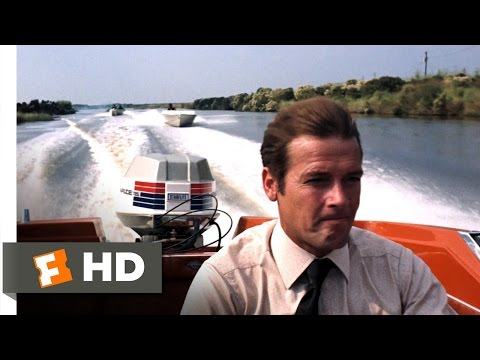Live and Let Die (6/10) Movie CLIP - High-Flying Speedboat Chase (1973) HD