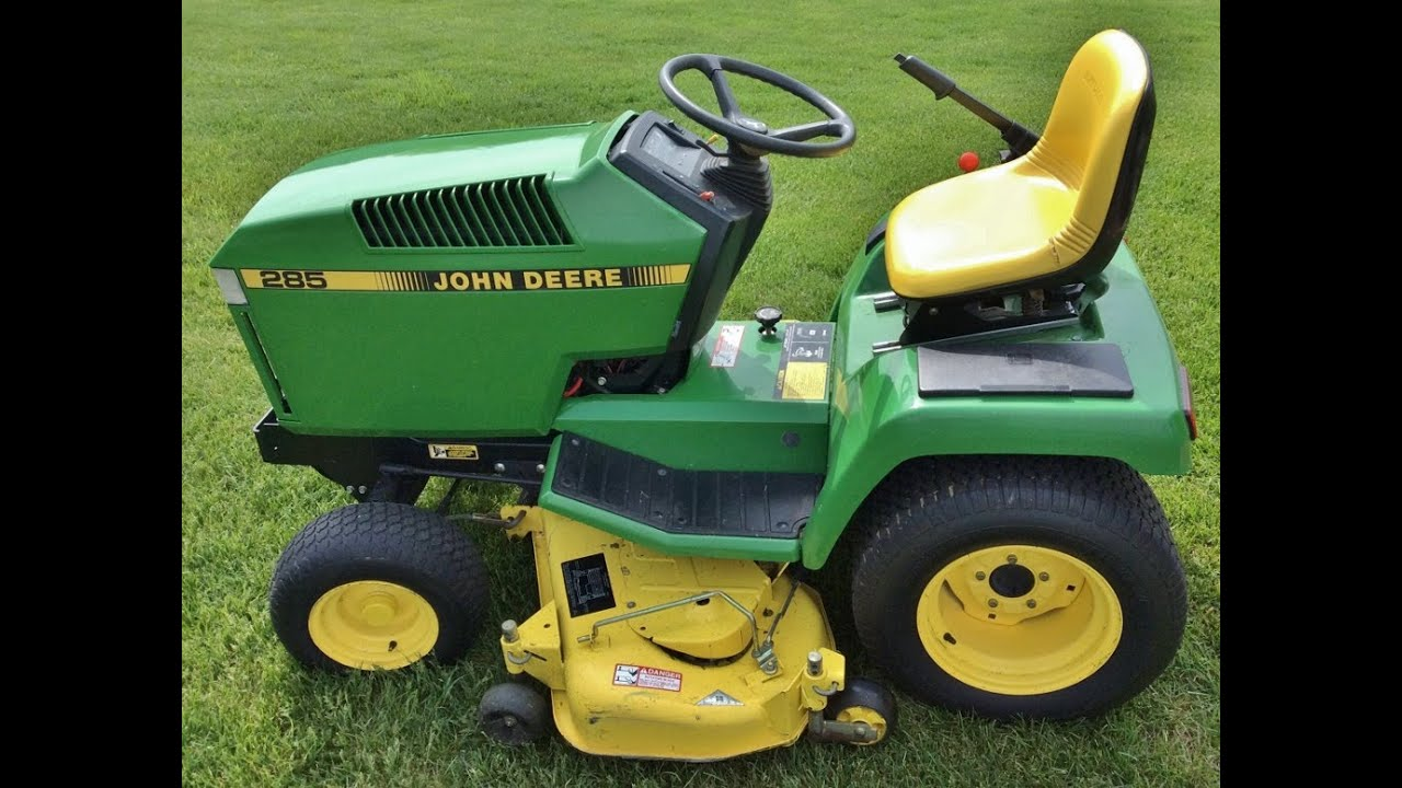 John Deere Riding Lawn Tractor W Mower Deck Amp Grass