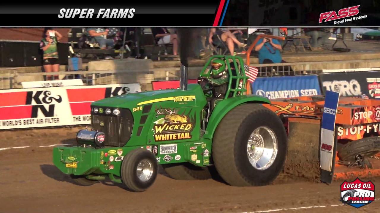 PPL 2018: Super Farm Tractors pulling in Montgomery City, MO
