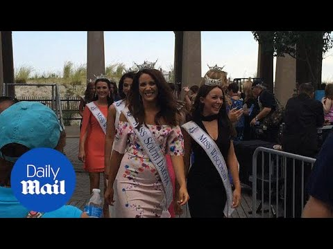 Miss America contestants meet the public in Atlantic City - Daily Mail