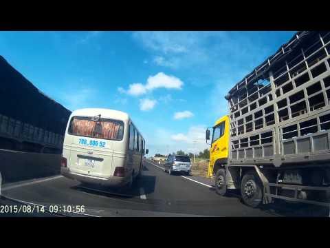 Tai nan xe 7 chỗ tại Ninh Thuận