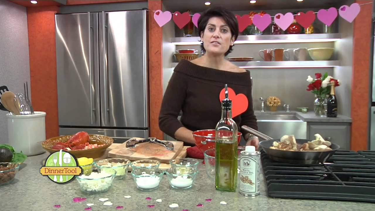 Easy valentine 39 s day dinner at home youtube for Simple valentines day dinner