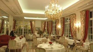 Paillettes, caviar… Le nouvel an de rêve dans cet hôtel de luxe parisien