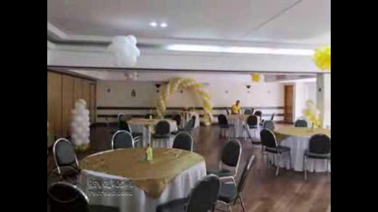Decoracion basica con globos primera comunion youtube - Como decorar un salon para comunion ...