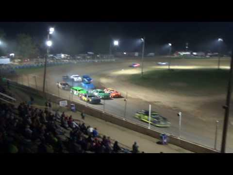 Street Stock Feature Race at Crystal Motor Speedway, Michigan on 07-22-2017