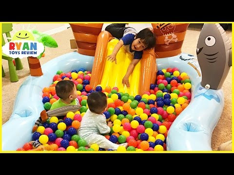 The Ball Pit Show for learning colors! Children and Toddlers educational video
