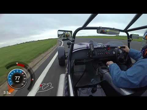 138bhp Caterham 7 Chasing 650bhp Nissan GTR - Bedford Autodrome GT Circuit