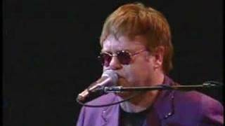 Elton John - Take me to the pilot @ Italy 2002