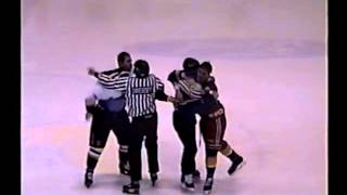 Harry Noiles vs. Jason Spence QMJHL 4/01/98